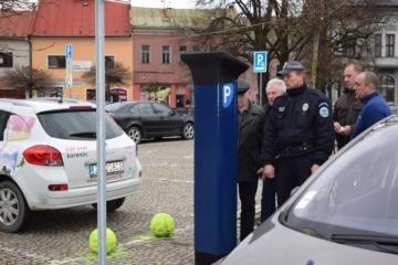 Parkovanie na namesti